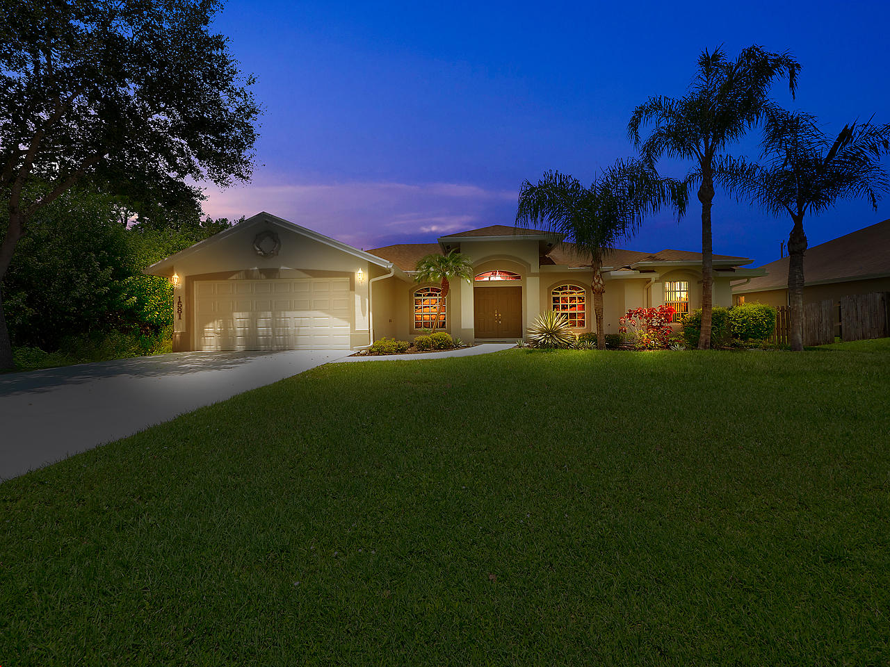 1581 SW Neponset Road, Port Saint Lucie, Florida