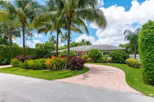 221 NW 17th Street  For Sale 10554420, FL
