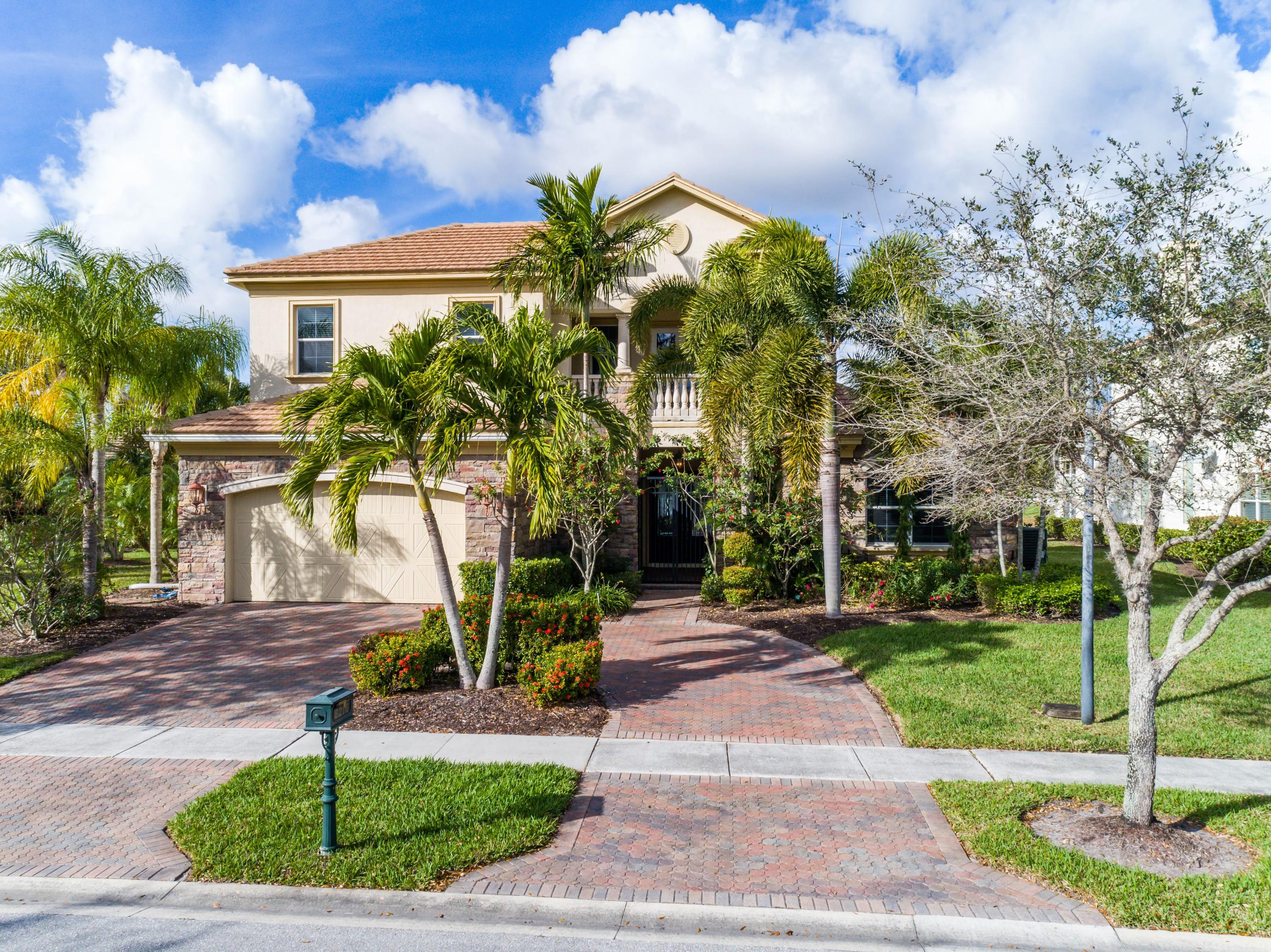 8216 Butler Greenwood Drive Royal Palm Beach, FL 33411