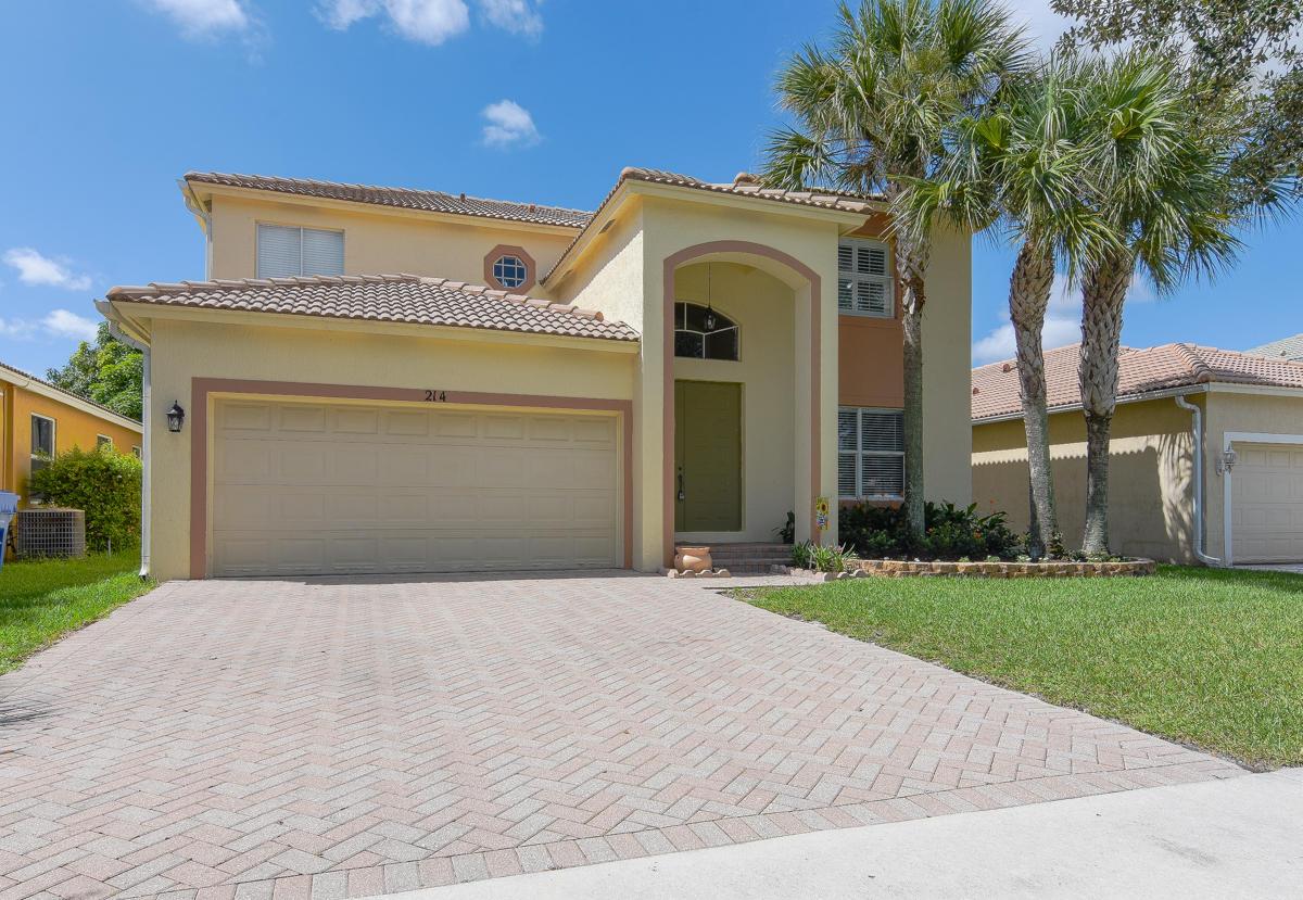 214 Seminole Lakes Drive  Royal Palm Beach FL 33411
