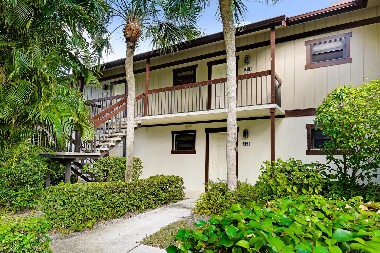 13334 Polo Club Road, 320 - Wellington, Florida