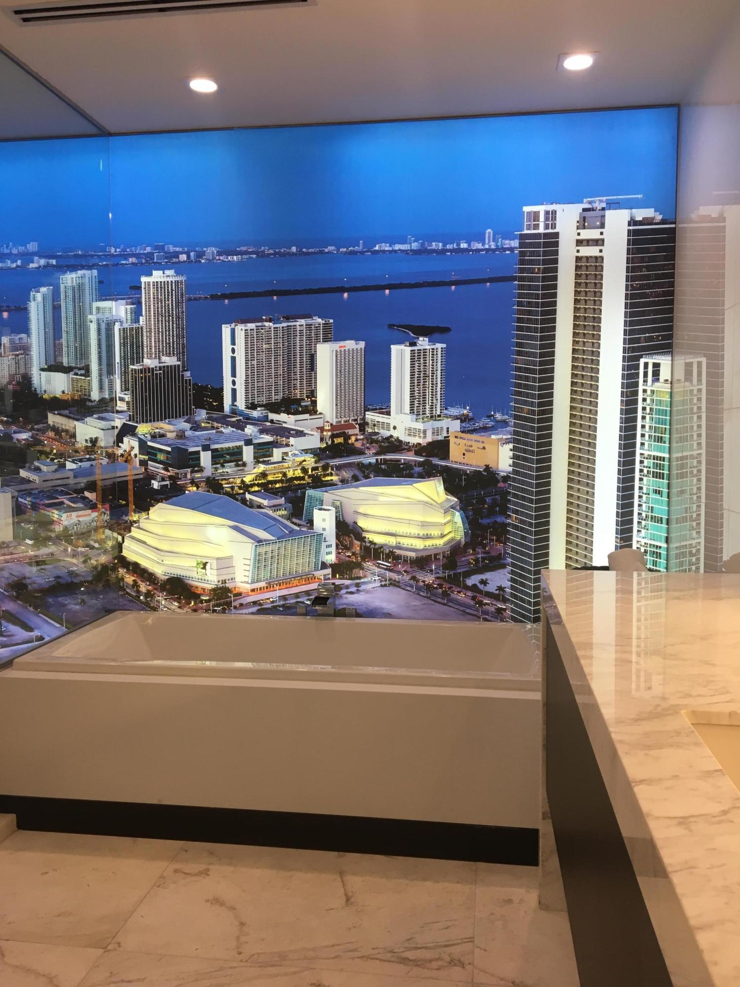 851 NE 1st Avenue 1600 Miami, FL 33132 photo 6
