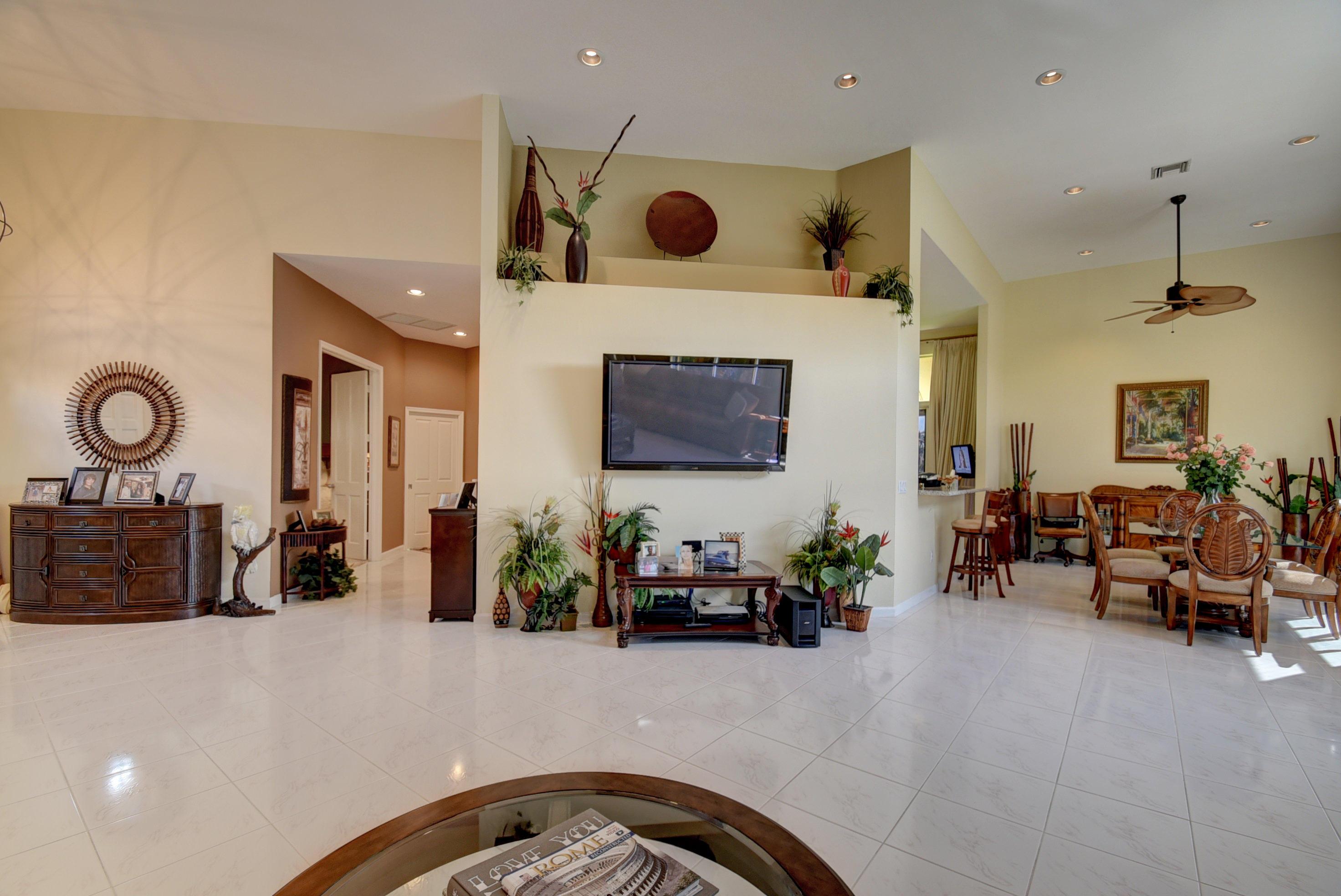 Foyer-Living-Dining
