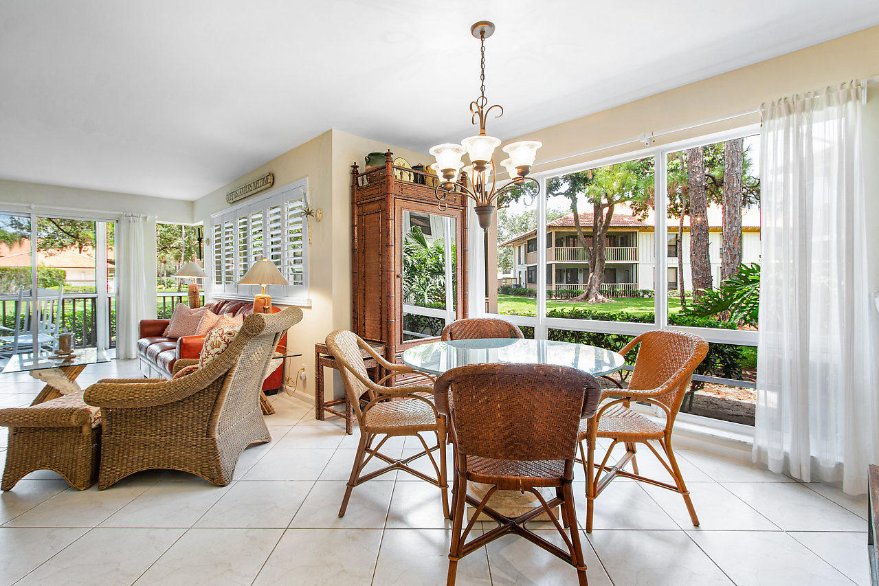 GOLF VILLAS COND AT PGA NATIONAL HOMES FOR SALE