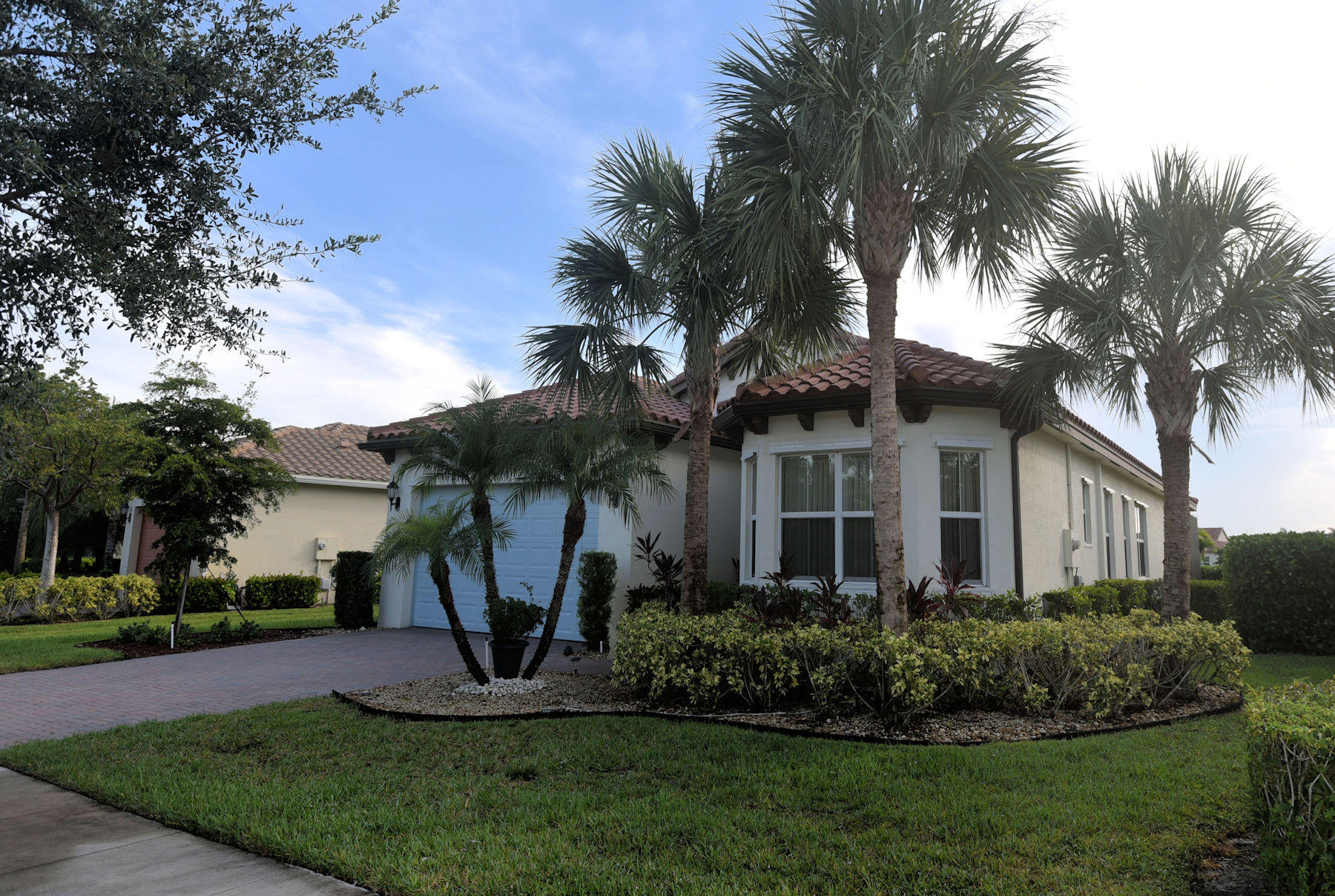 2512 Vicara Court Royal Palm Beach, FL 33411