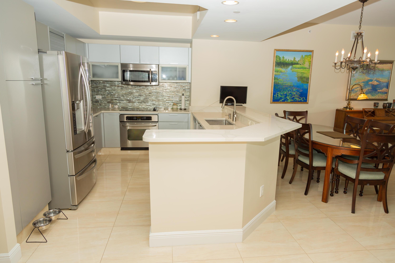 2640 Lake Shore Drive 1110, Riviera Beach, Florida 33404, 3 Bedrooms Bedrooms, ,3.1 BathroomsBathrooms,A,Condominium,Lake Shore,RX-10554670
