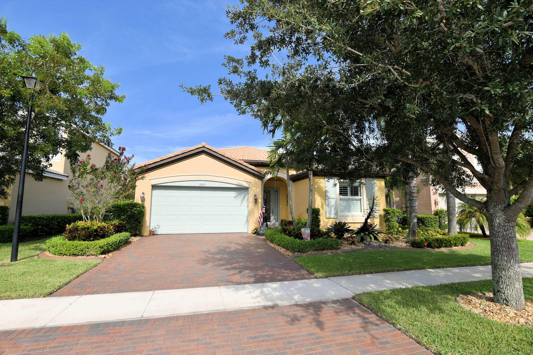 2207 Arterra Court Royal Palm Beach, FL 33411