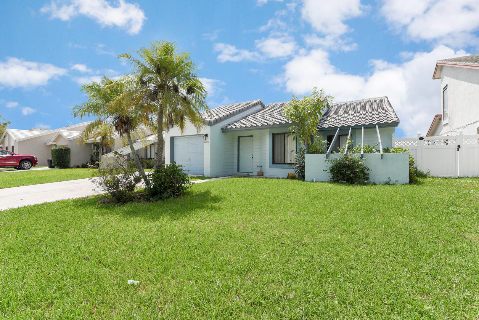 6056 Strawberry Fields Way Lake Worth, FL 33463 photo 1