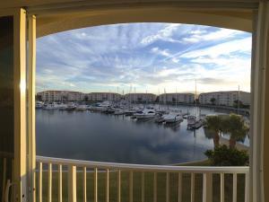 Harbour Isle East