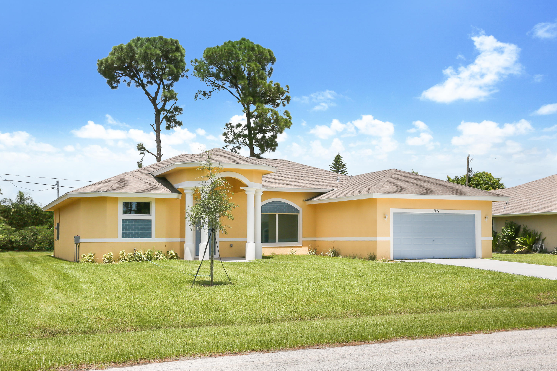 Photo of 1217 SW Albenga Avenue, Port Saint Lucie, FL 34983