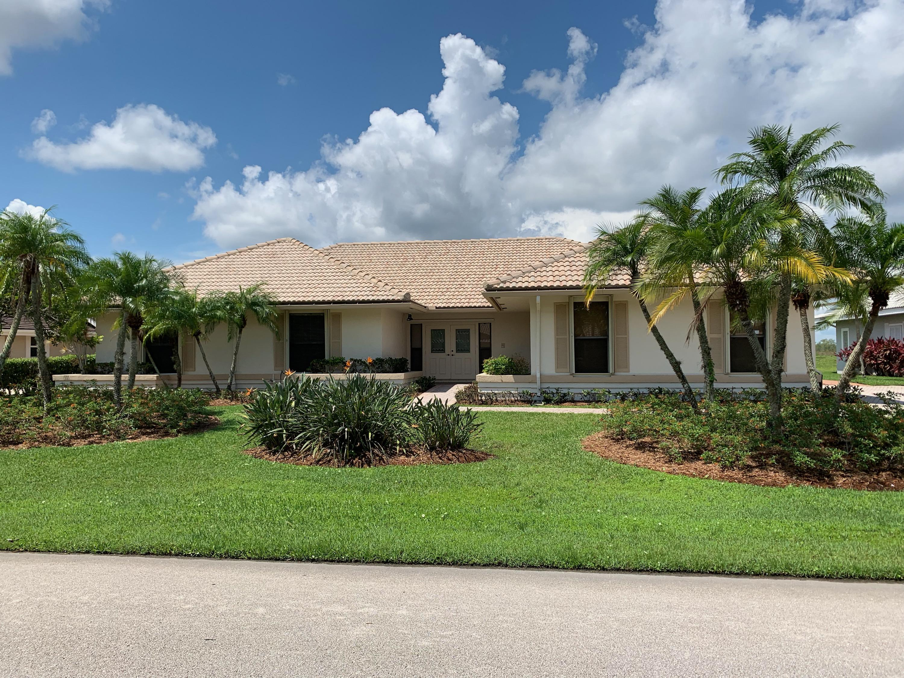 Home for sale in Marlwood Estates Palm Beach Gardens Florida