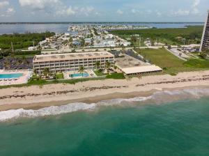Island Beach Club, A Condominium
