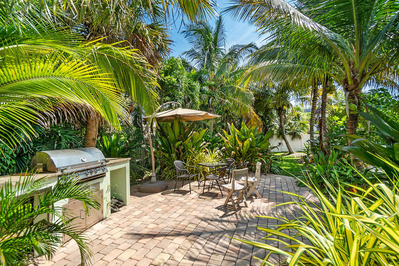 PALM BEACH SHORES HOMES FOR SALE