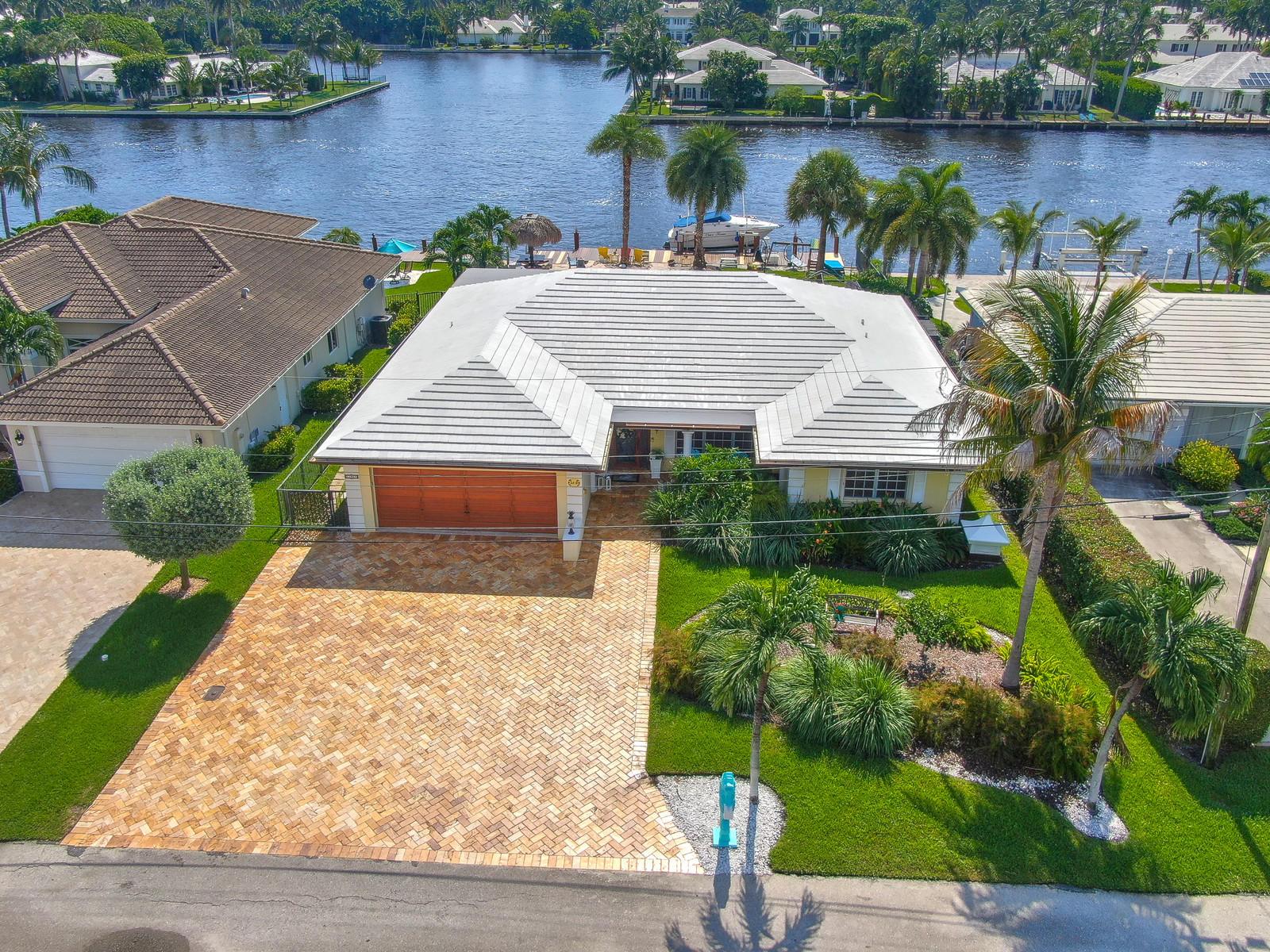 3215 Karen Drive, Gulf Stream, Florida 33483, 3 Bedrooms Bedrooms, ,2.1 BathroomsBathrooms,Single Family Detached,For Sale,Karen,RX-10556099