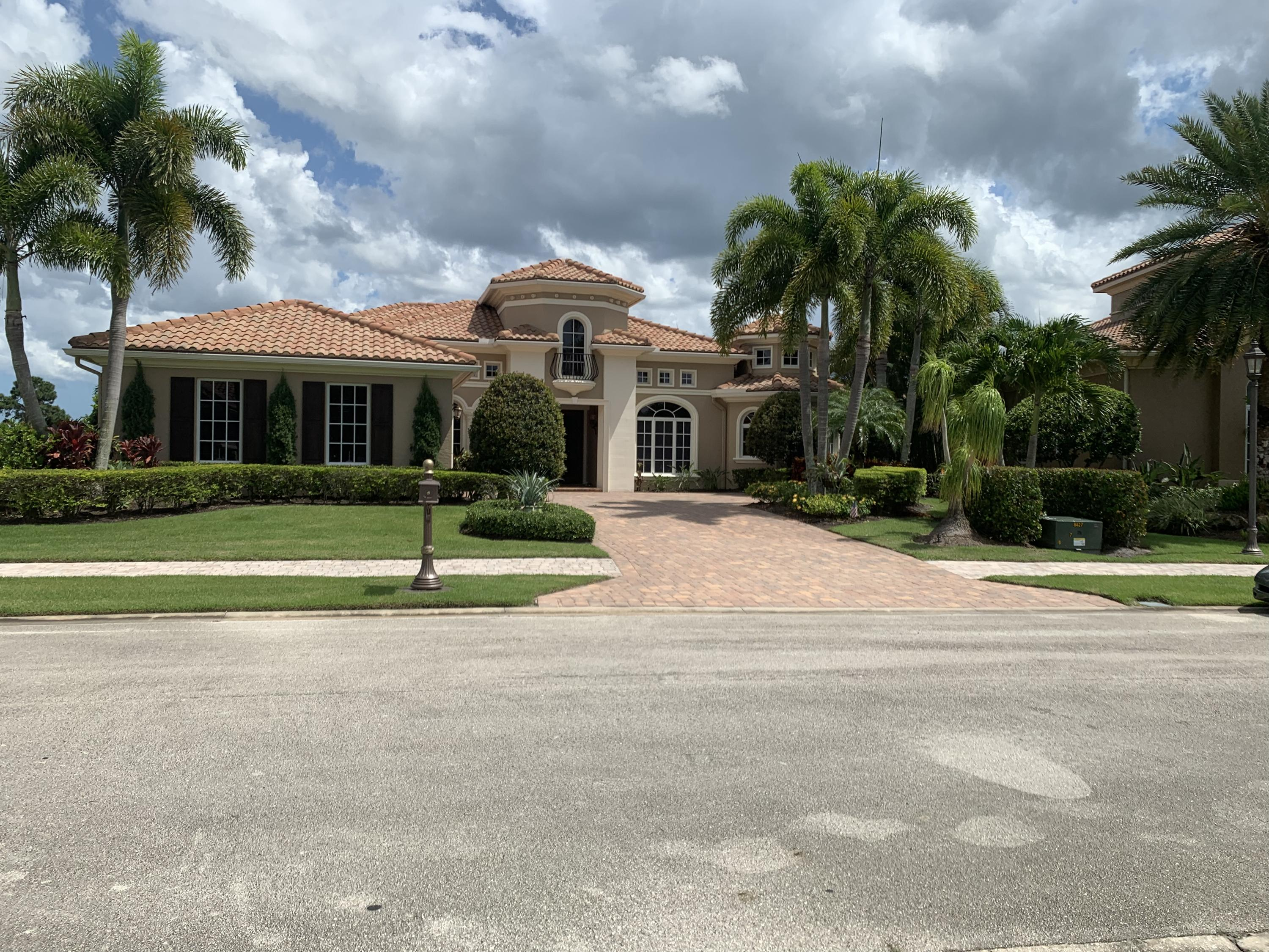 108 SE San Fratello - Port St Lucie, Florida