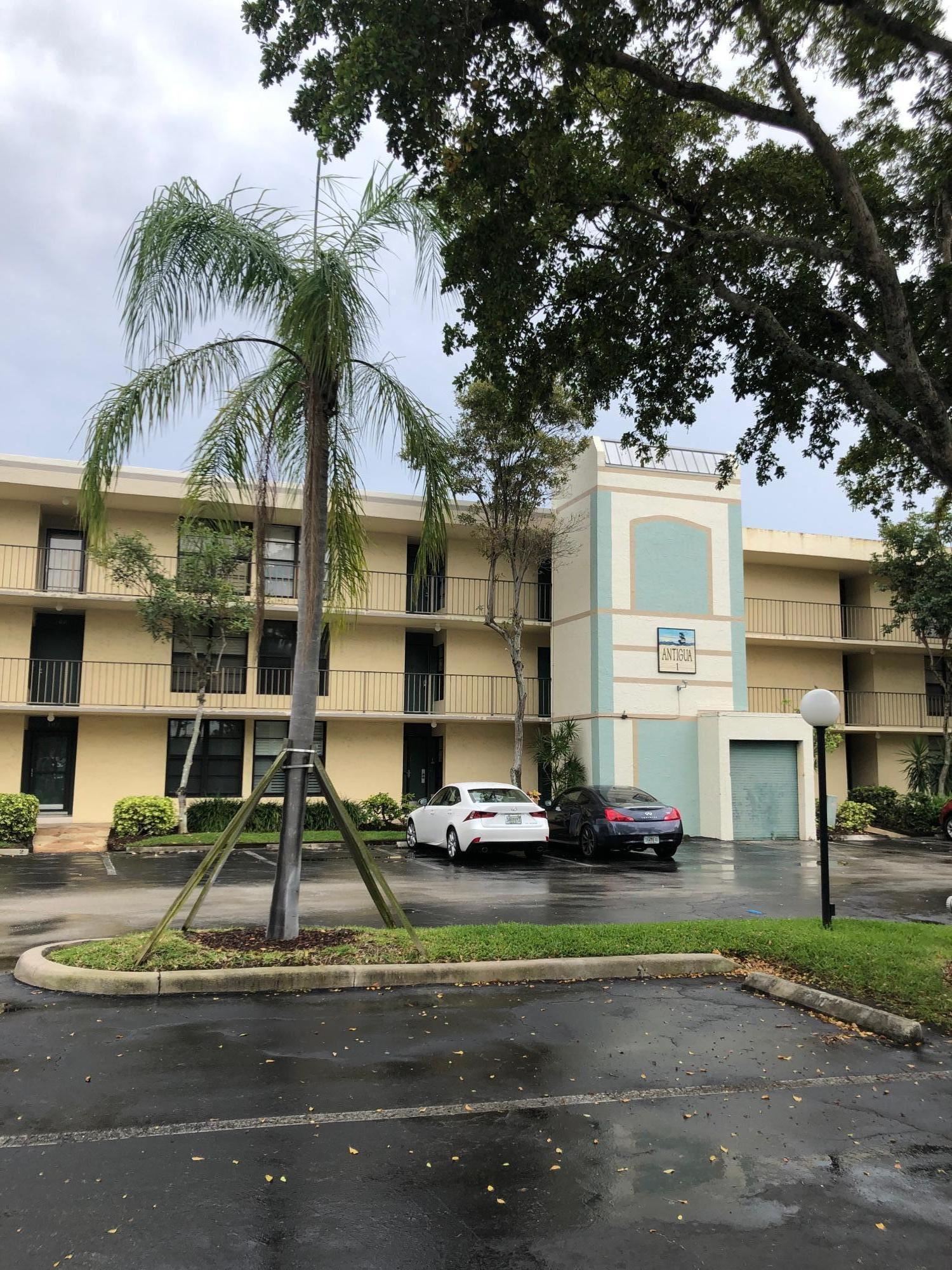 1 Royal Palm Way 3010  Boca Raton FL 33432