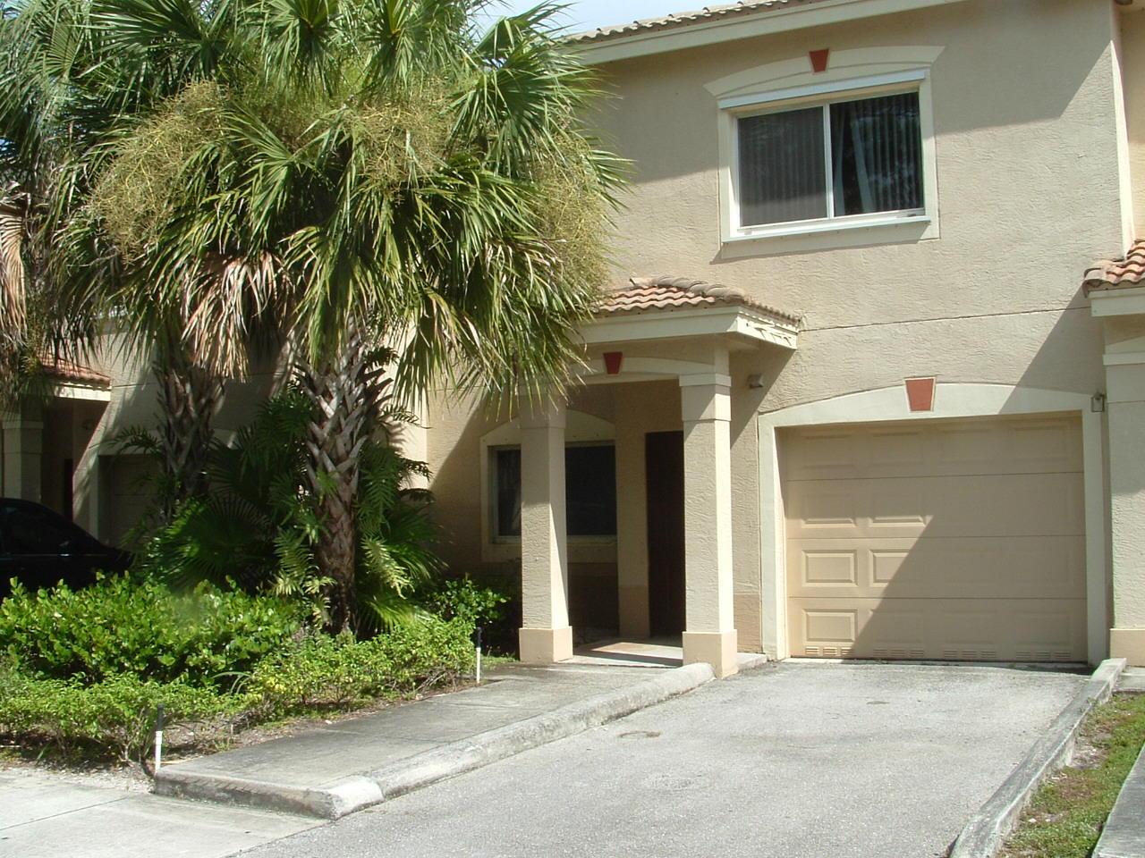 280 Crestwood Circle 202 Royal Palm Beach, FL 33411