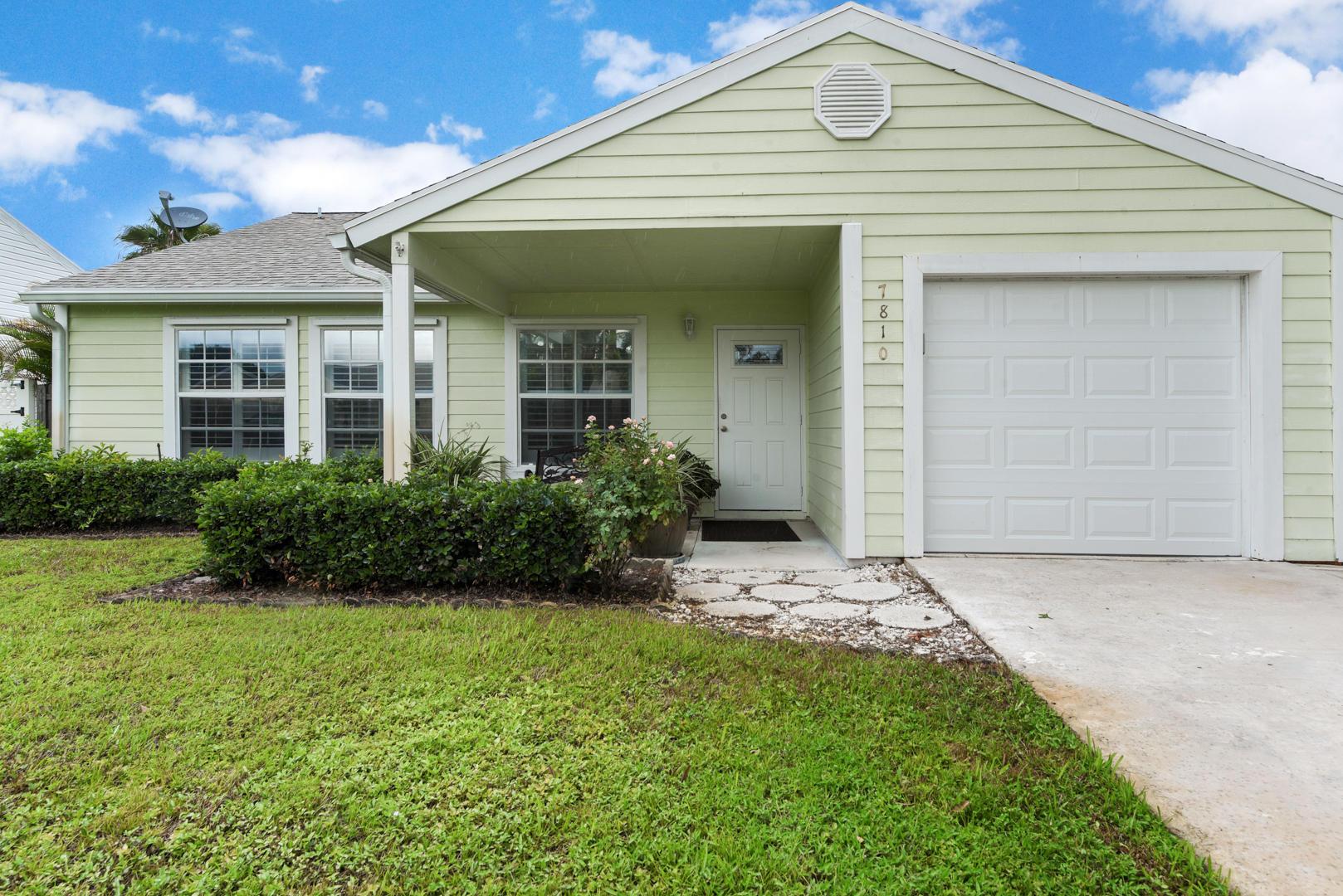 7810 Blairwood Circle Lake Worth, FL 33467