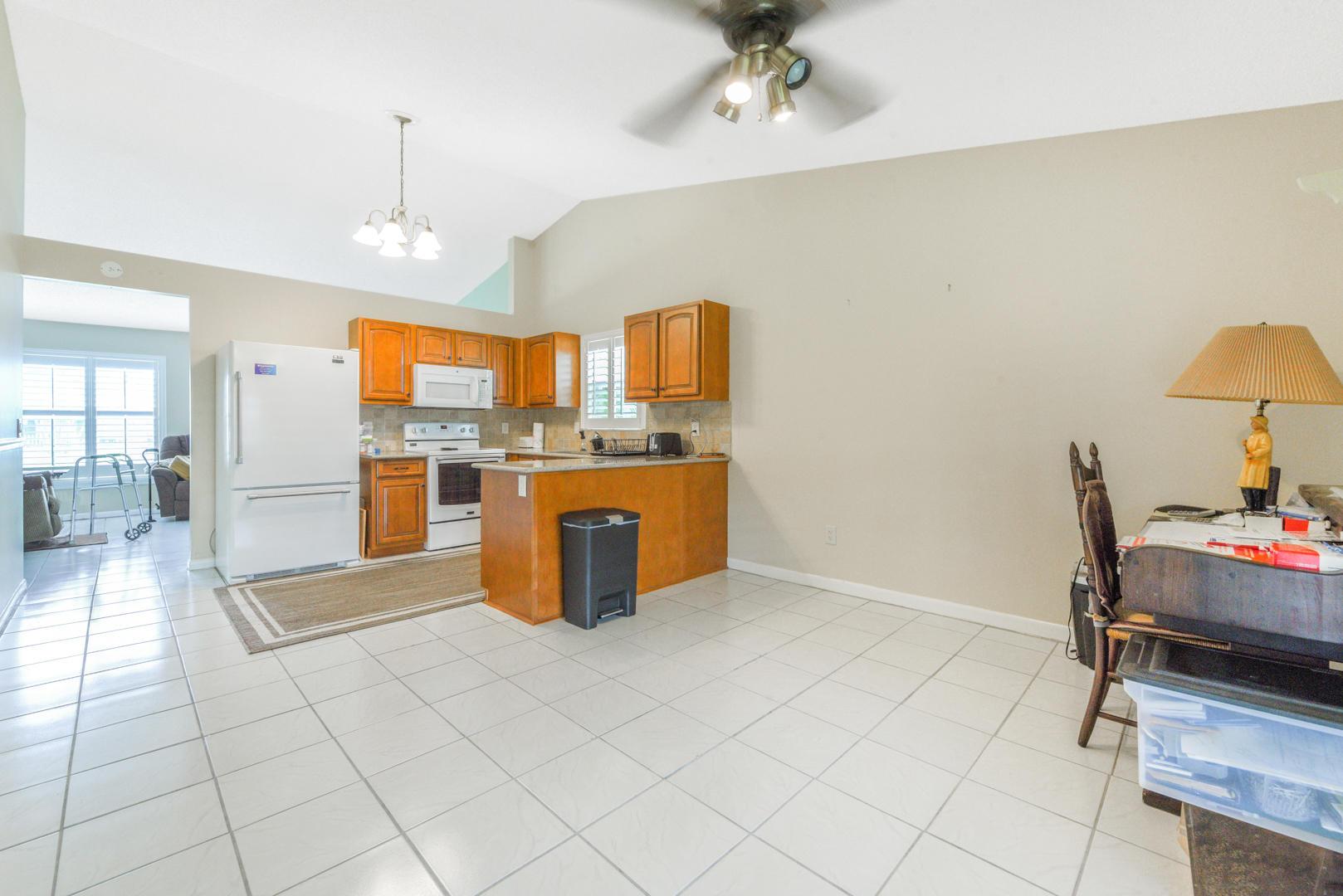 7810 Blairwood Circle Lake Worth, FL 33467 photo 10