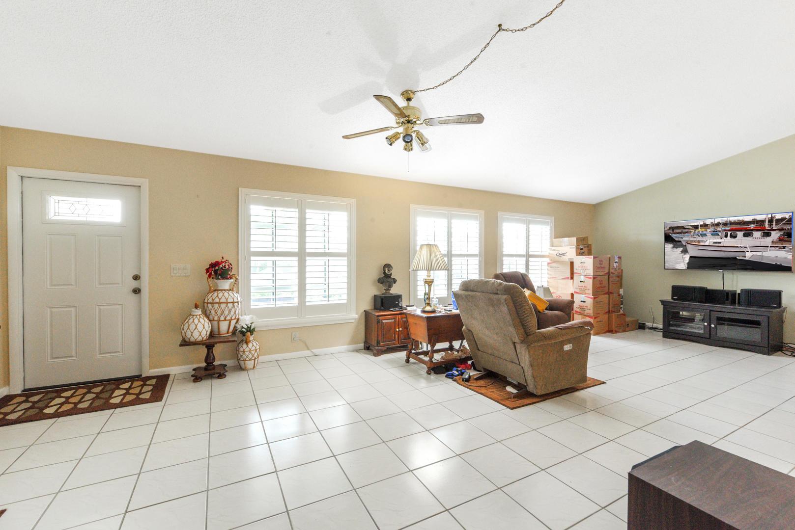 7810 Blairwood Circle Lake Worth, FL 33467 photo 6