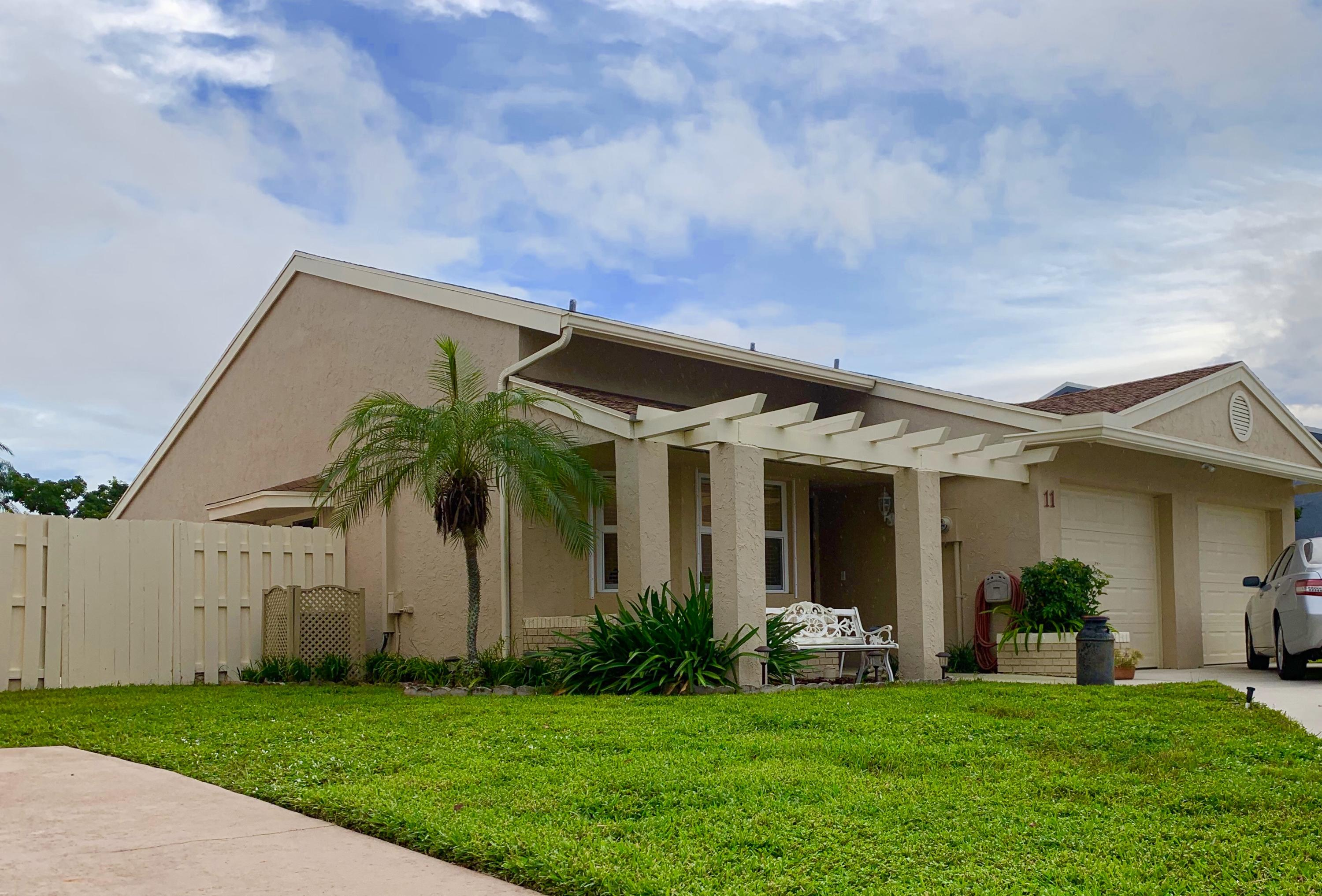 Home for sale in BOYNTON LAKES 4 Boynton Beach Florida