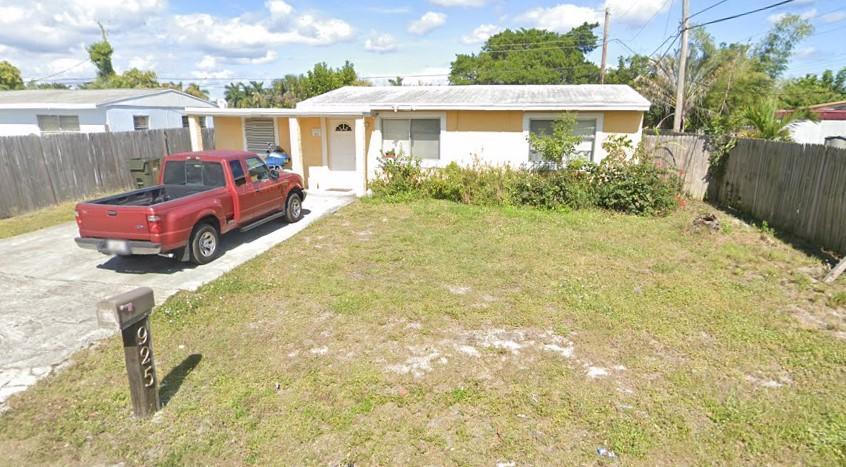 925 SW 10th Avenue  Delray Beach, FL 33444