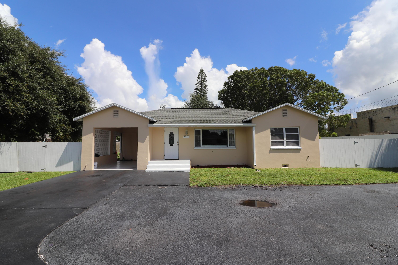 Home for sale in BELVEDERE ESTATES Haverhill Florida