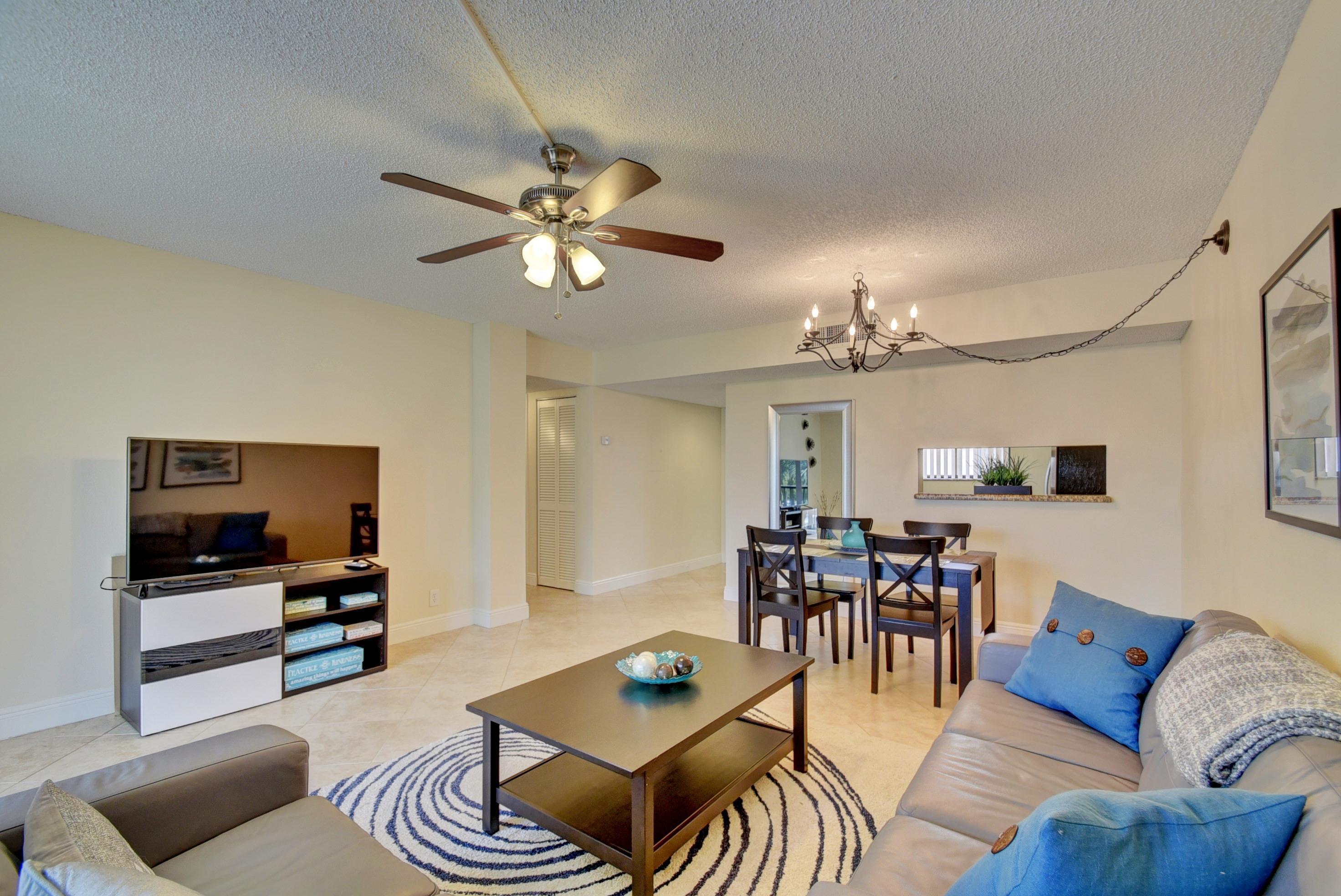 5160 Las Verdes Circle 315  Delray Beach, FL 33484