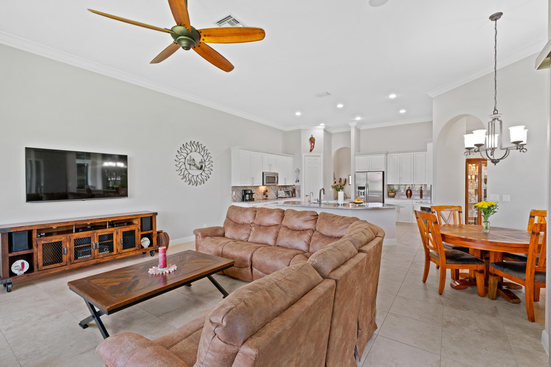 8941 Club Estates Way Lake Worth, FL 33467 photo 14