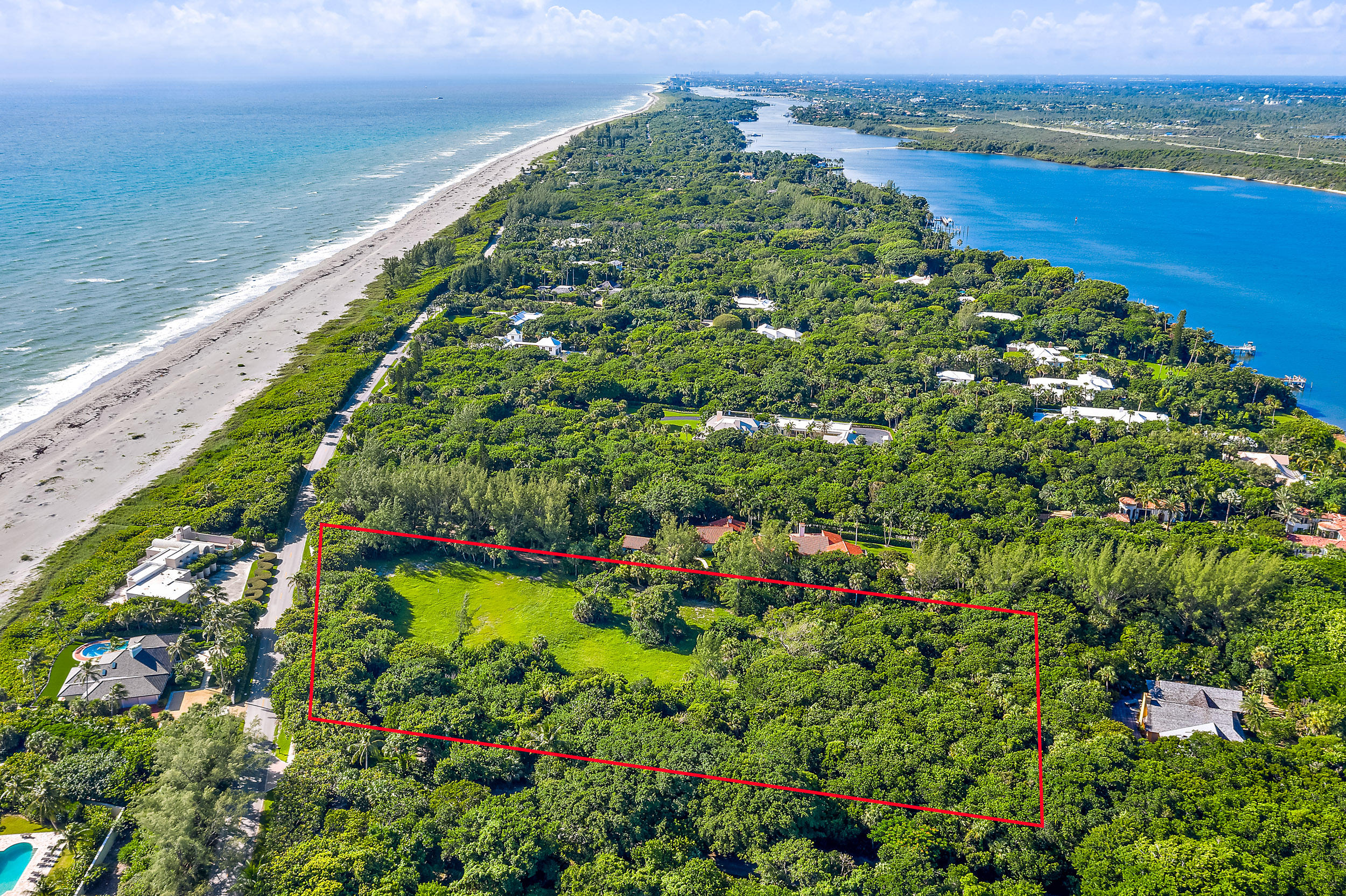 302 S Beach Road , Hobe Sound FL 33455 is listed for sale as MLS Listing RX-10558807 photo #4