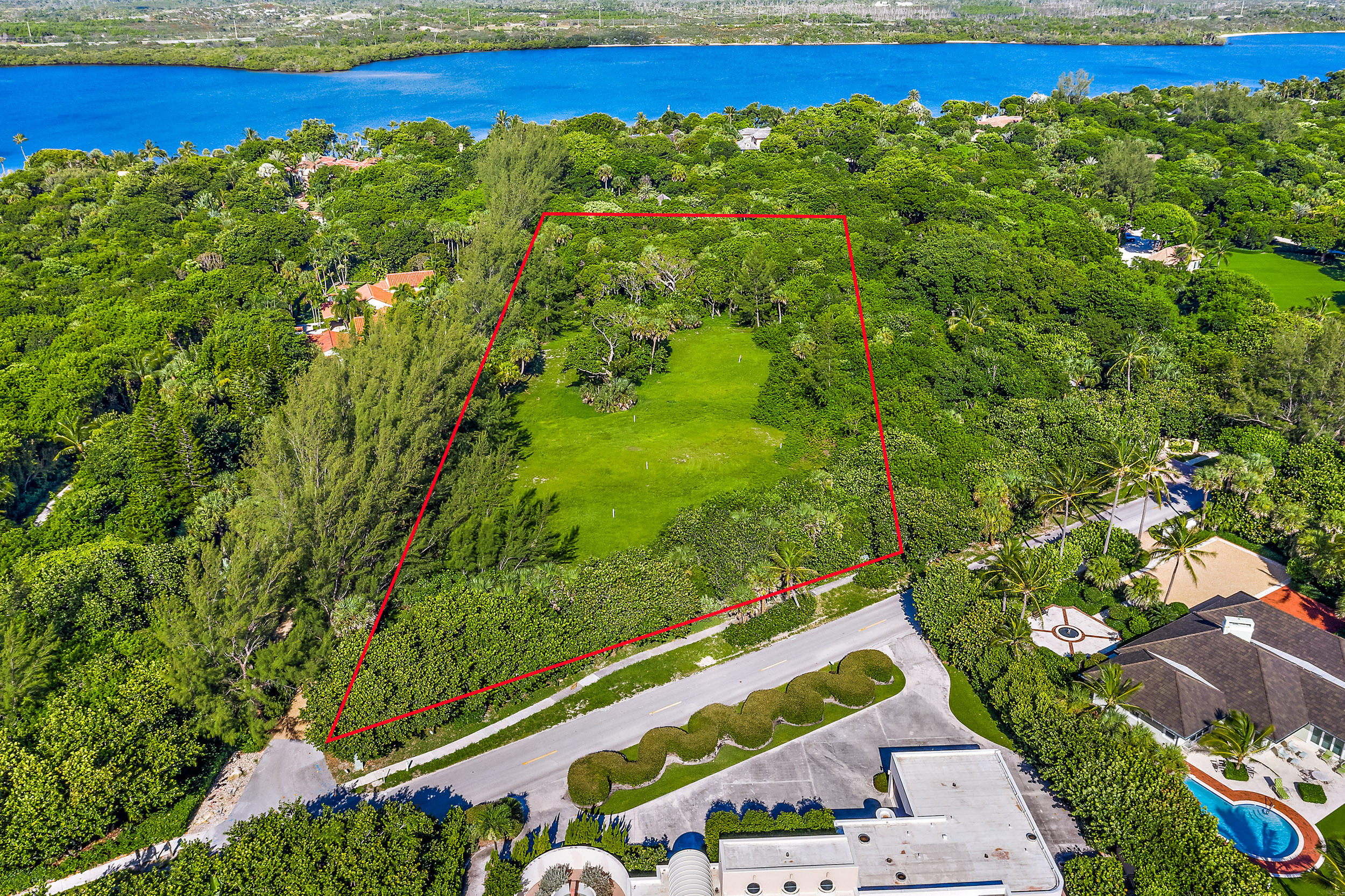302 S Beach Road , Hobe Sound FL 33455 is listed for sale as MLS Listing RX-10558807 photo #7
