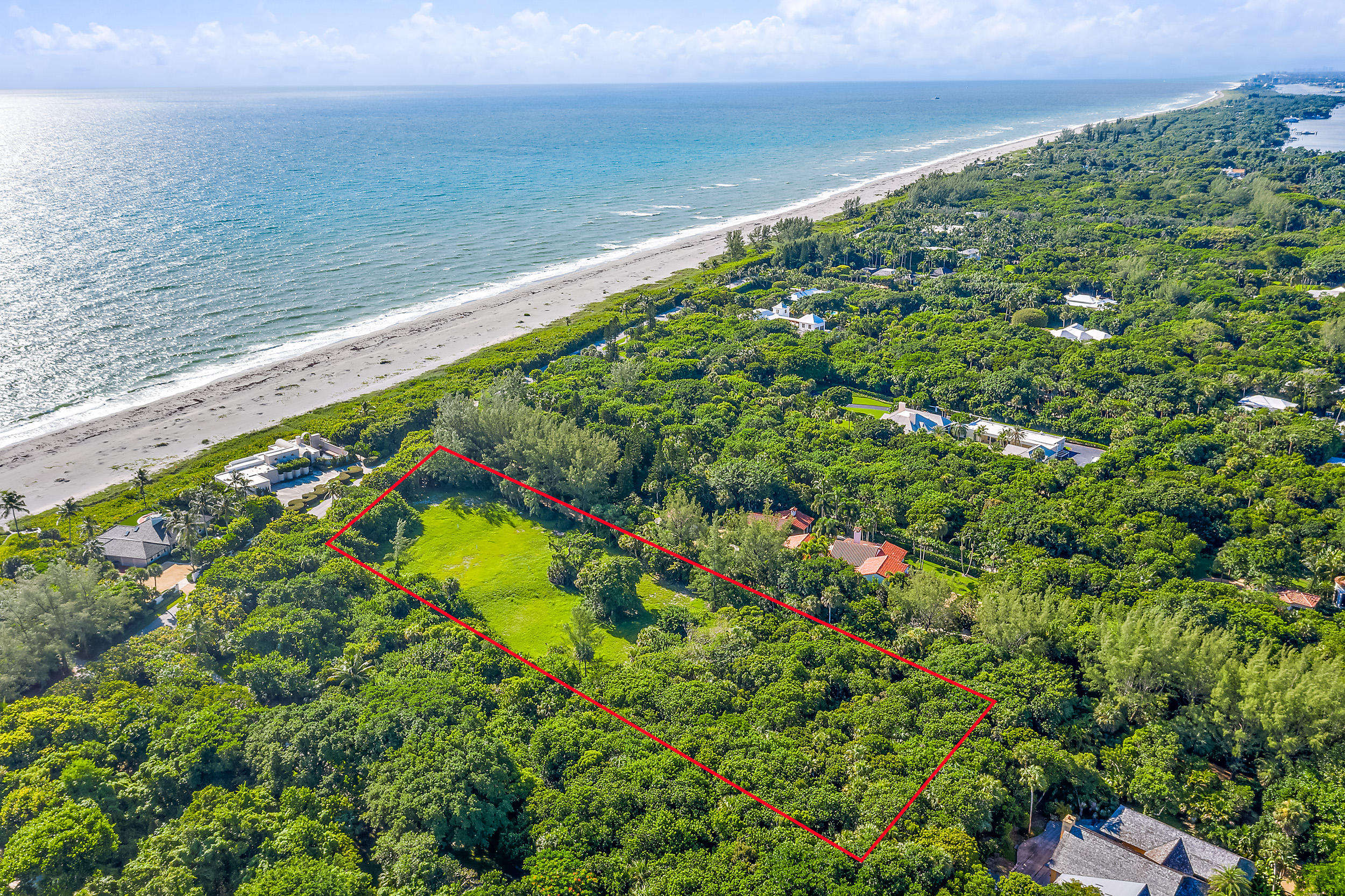 302 S Beach Road , Hobe Sound FL 33455 is listed for sale as MLS Listing RX-10558807 photo #9