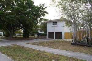 2402 Seacrest Boulevard  Delray Beach, FL 33444