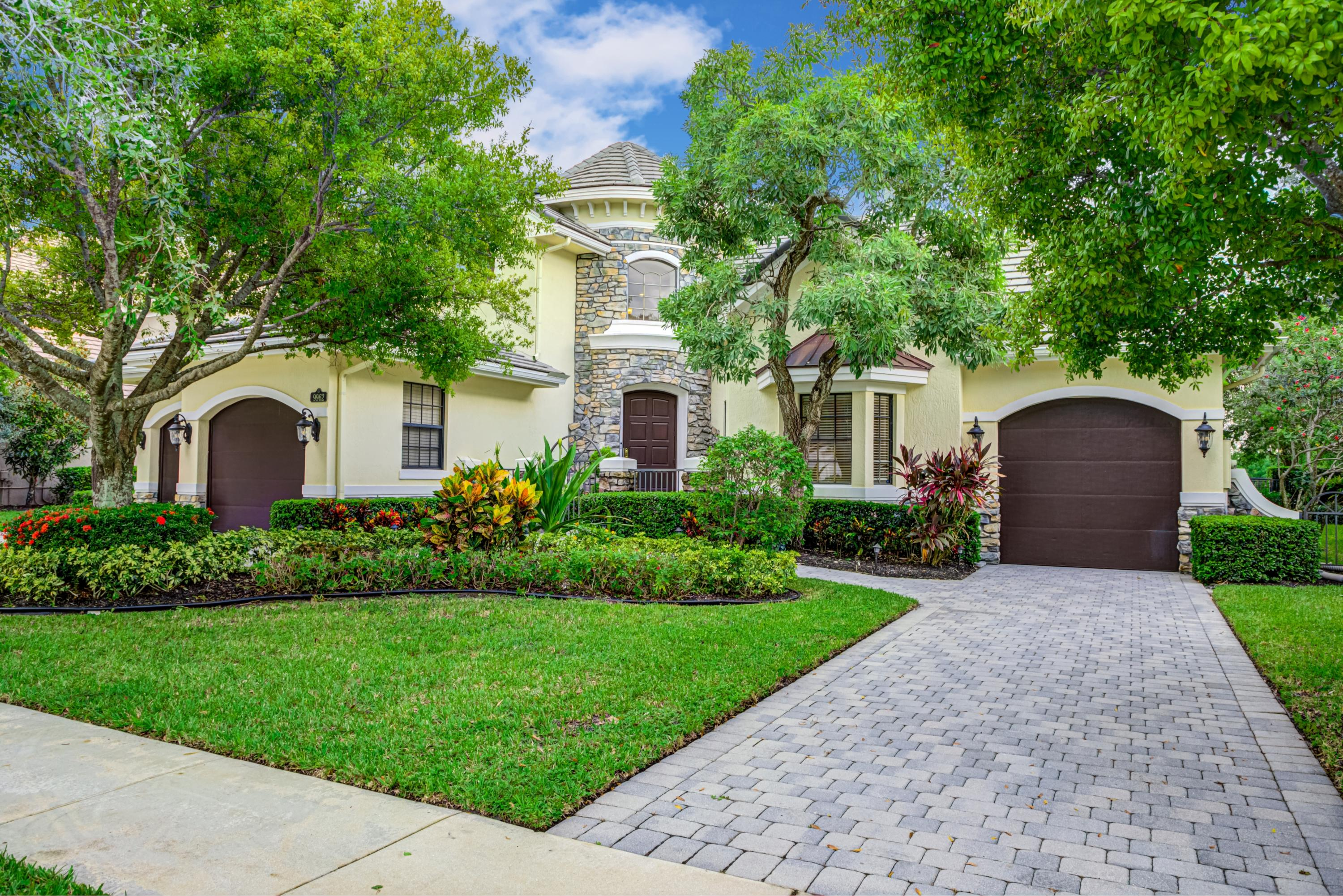 9962 Equus Circle  Boynton Beach, FL 33472