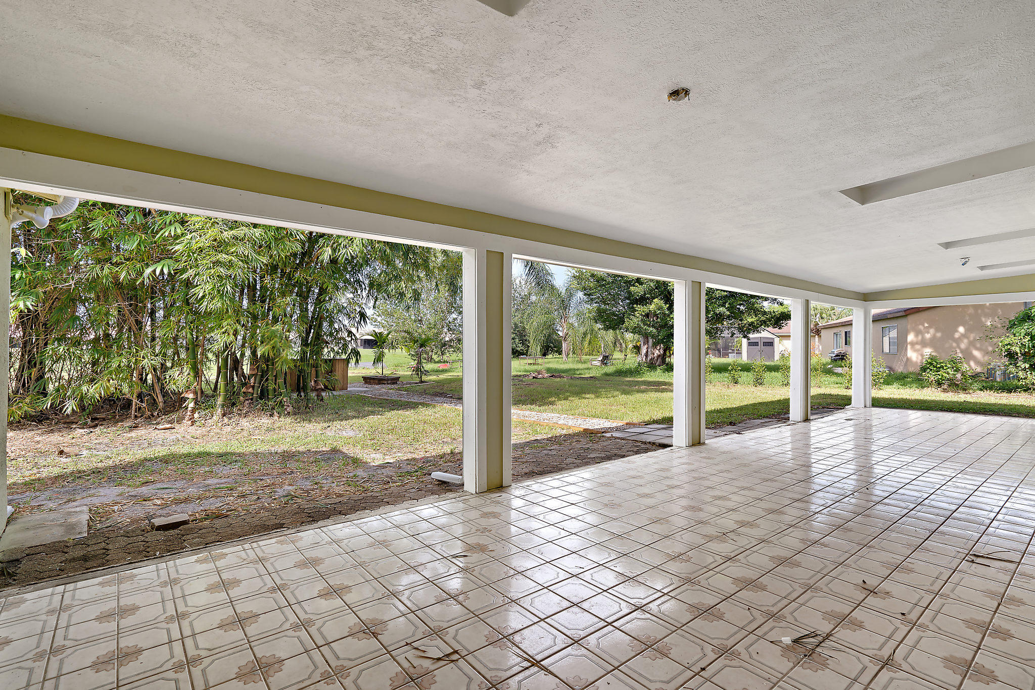 PORT ST LUCIE-SECTION 42-FIRST REPLAT- BLK 3306 LOT 1 (MAP 44/20N) (OR 3257-287)