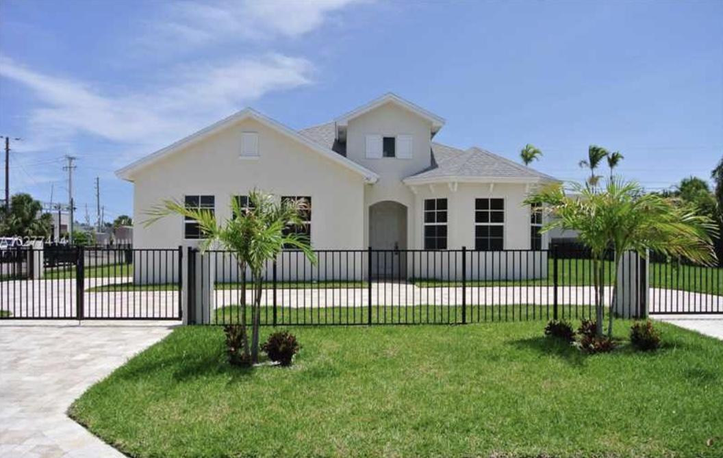 142 SE 14th Avenue Boynton Beach, FL 33435