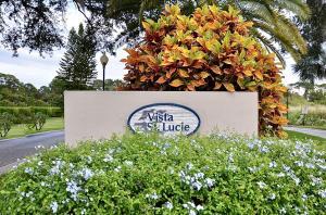 Vista St Lucie