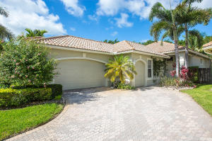 2595  Players Court  For Sale 10558550, FL