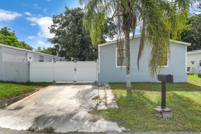23039 Watergate Circle Boca Raton, FL 33428 photo 2