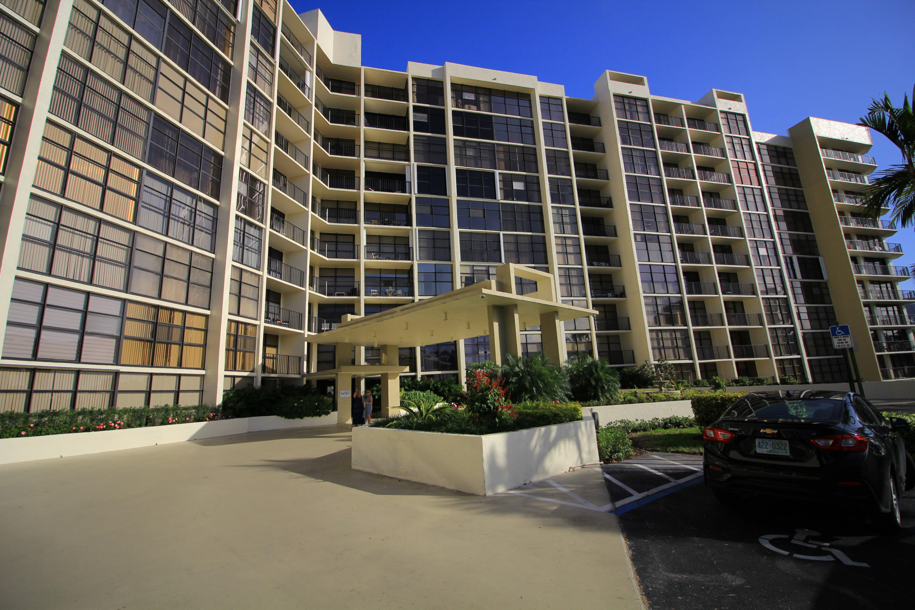 Home for sale in TOWERS OF OCEANVIEW SOUTH CONDO Hallandale Beach Florida