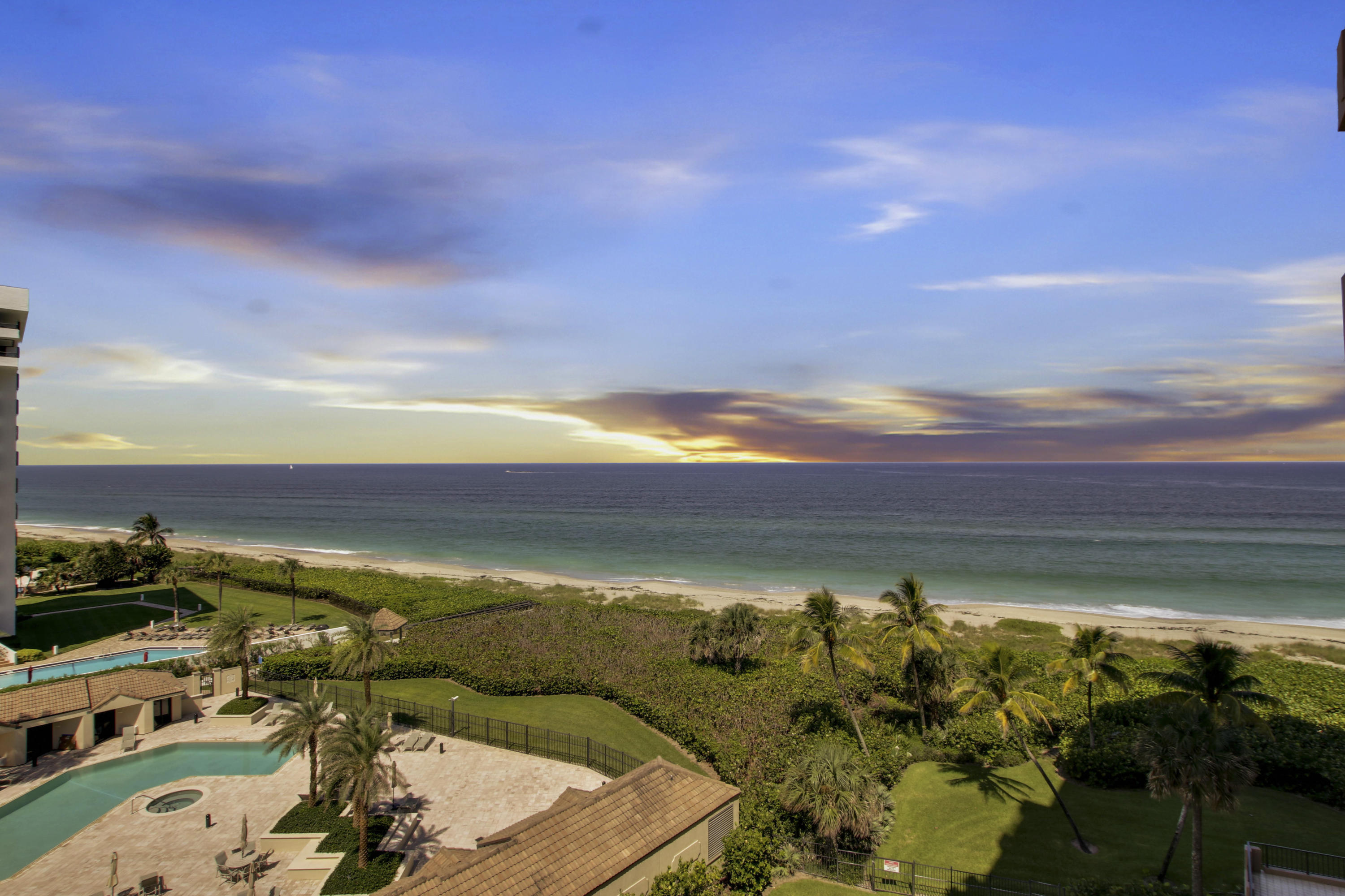BEACHFRONT HOMES FOR SALE