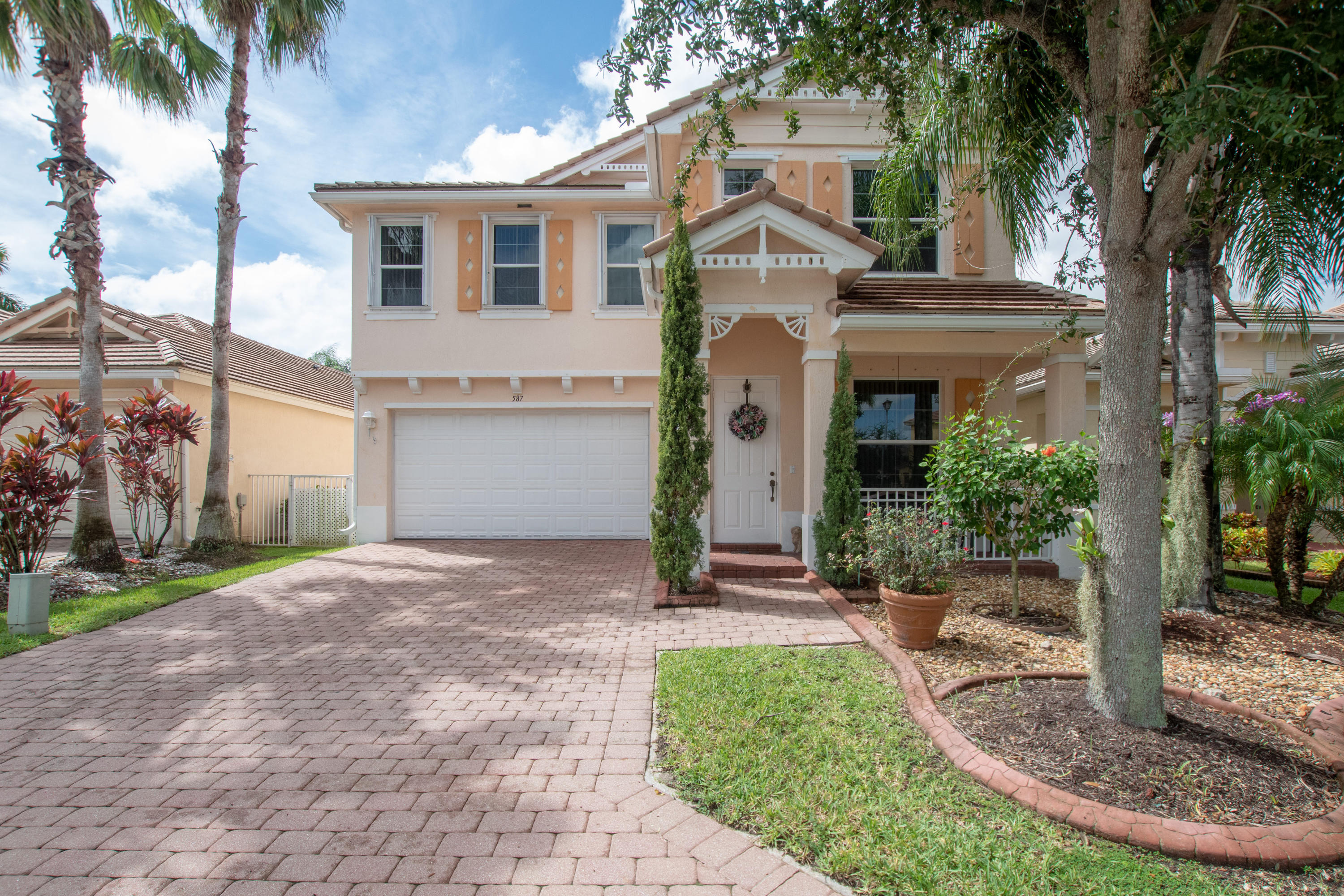 587 Belle Grove Lane Royal Palm Beach, FL 33411