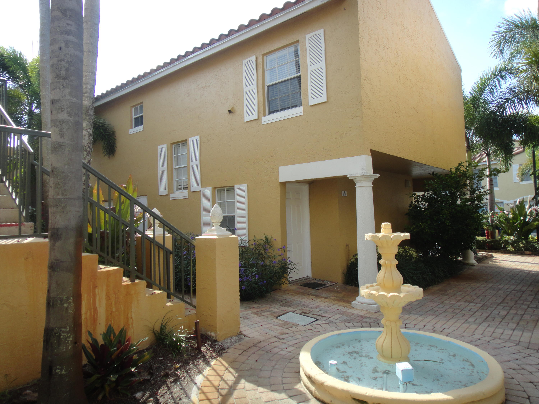 Home for sale in bay reach condo Lake Park Florida