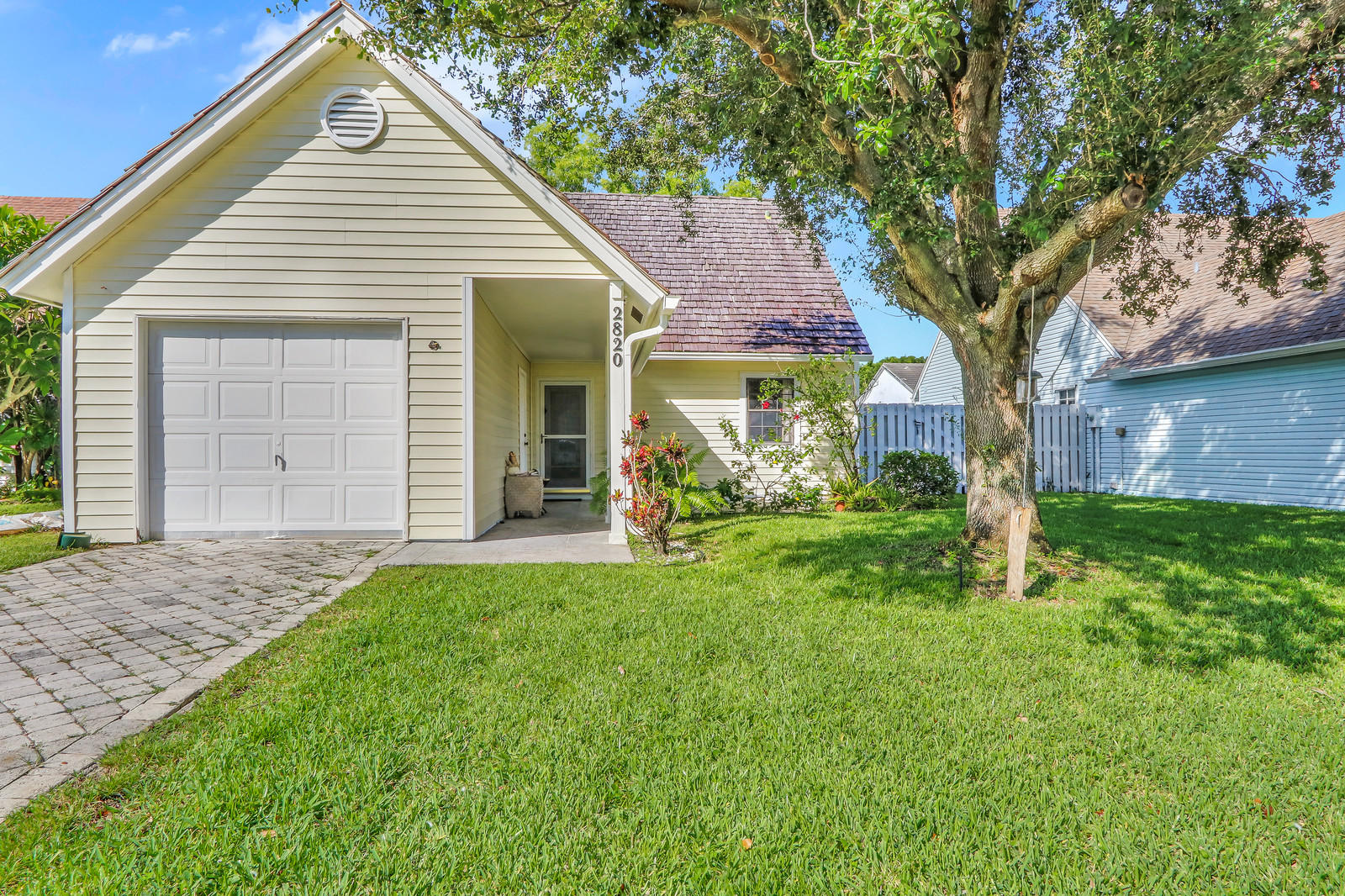 2820 Black Pine Court Lake Worth, FL 33462