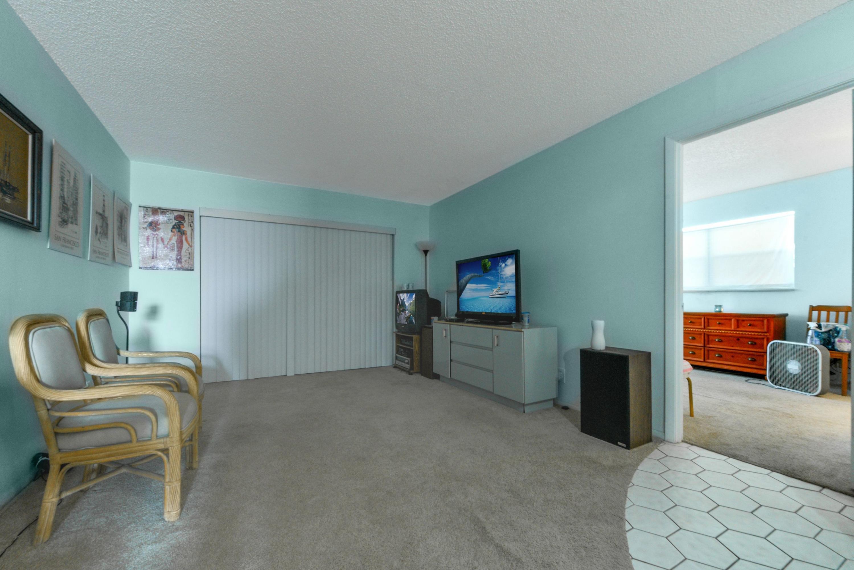 408 Lake Carol Drive 408 West Palm Beach, FL 33411 photo 3