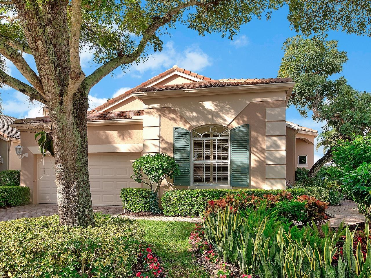 136 Sunset Bay Drive, Palm Beach Gardens, Florida 33418, 3 Bedrooms Bedrooms, ,2.1 BathroomsBathrooms,A,Single family,Sunset Bay,RX-10559516