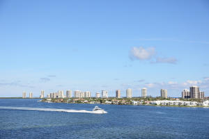 2640  Lake Shore Drive 714 For Sale 10559345, FL