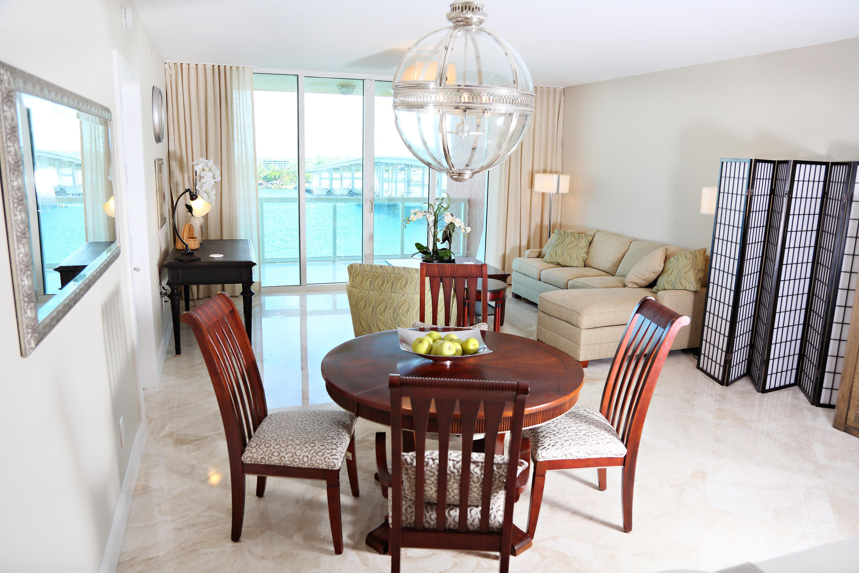 2640 Lake Shore Drive 714, Riviera Beach, Florida 33404, 2 Bedrooms Bedrooms, ,2 BathroomsBathrooms,F,Condominium,Lake Shore,RX-10559345
