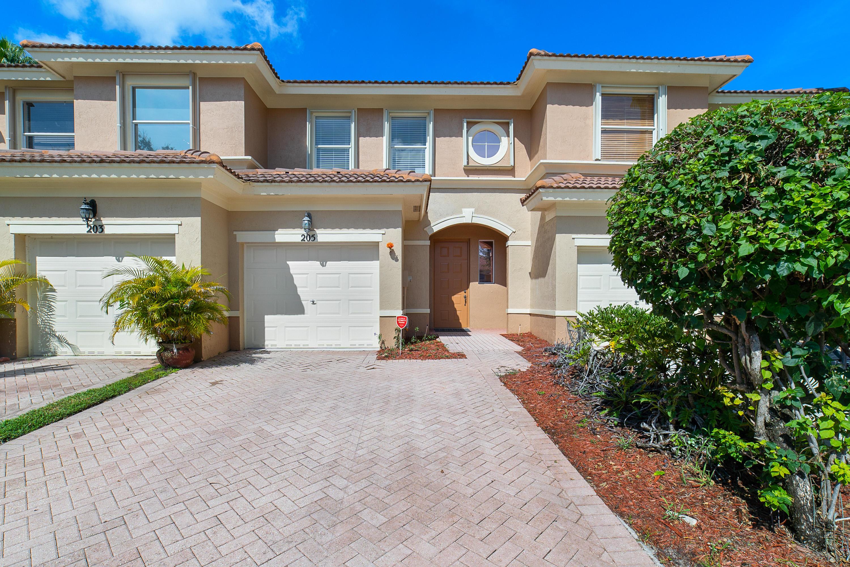 205 River Bluff Lane Royal Palm Beach, FL 33411