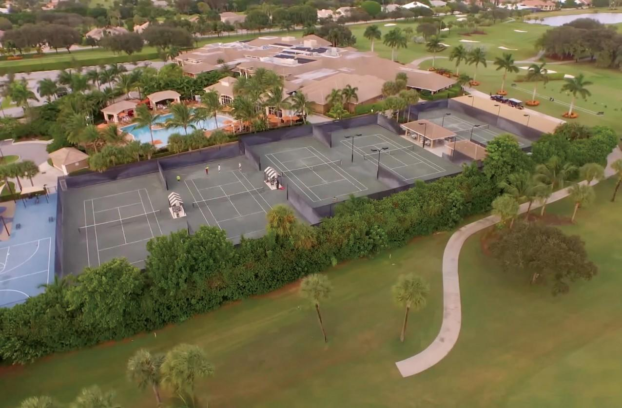 BOCAIRE COUNTRY CLUB PROPERTY